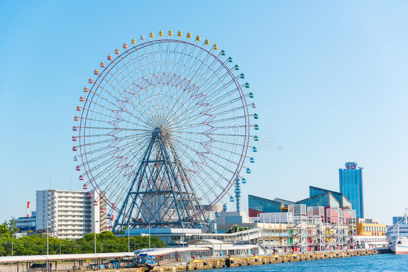Roda e Osaka Aquarium de Tempozan Ferris fotos de stock royalty free