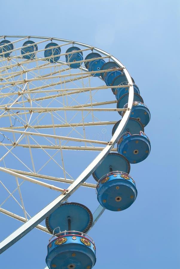 Roda gigante em um funfair imagens de stock royalty free