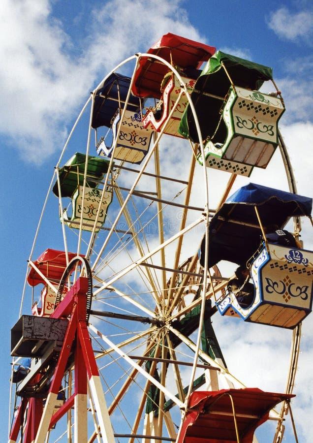 Download Roda gigante velha foto de stock. Imagem de gire, nuvens - 534862