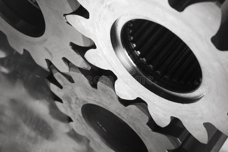 Rodas denteadas em preto/branco fotografia de stock