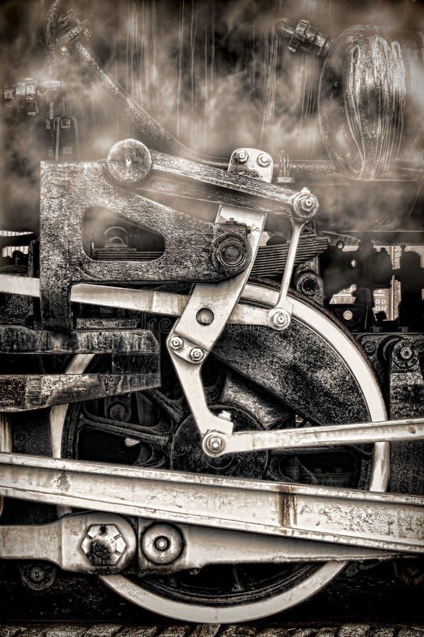 Rodas e fumo velhos do vintage da locomotiva de vapor imagem de stock royalty free