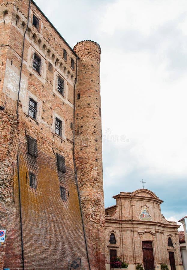 ` Roddi d Schloss alba lizenzfreies stockbild