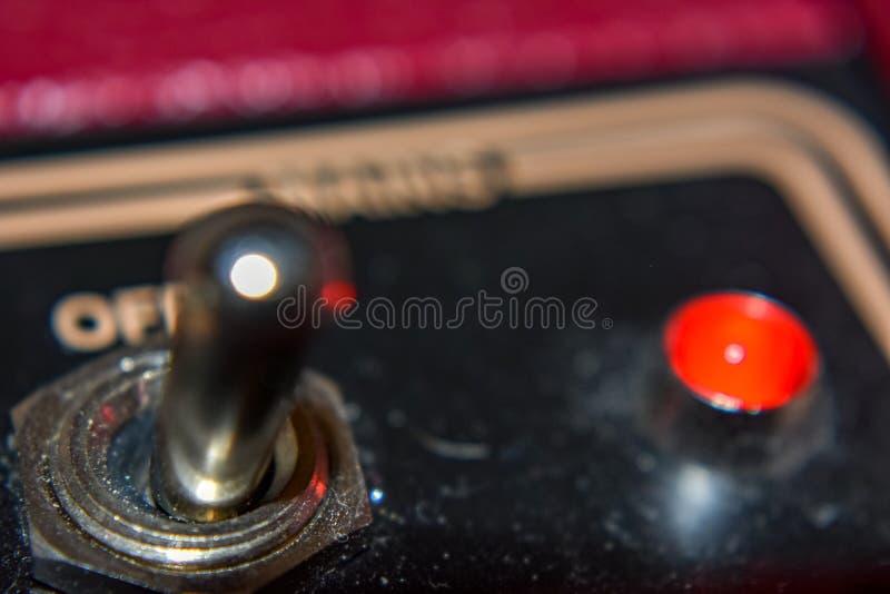 Rode ampèreknevelschakelaar met rood licht royalty-vrije stock foto