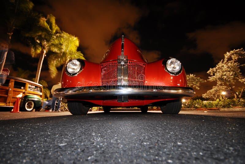 Rode Auto Oldie stock foto