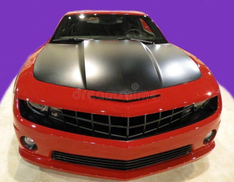 Rode auto zwarte hoogtepunten royalty-vrije stock afbeeldingen