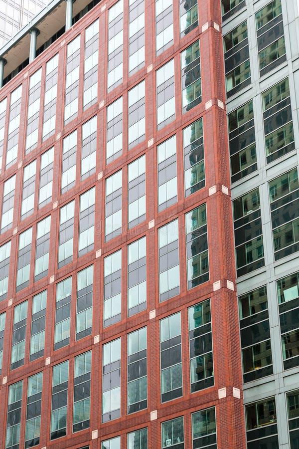 Rode Baksteen door Groen Glas royalty-vrije stock afbeelding