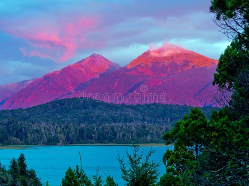 Rode berg stock foto