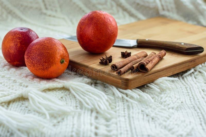 Rode bloedige Siciliaanse sinaasappelen stock foto's