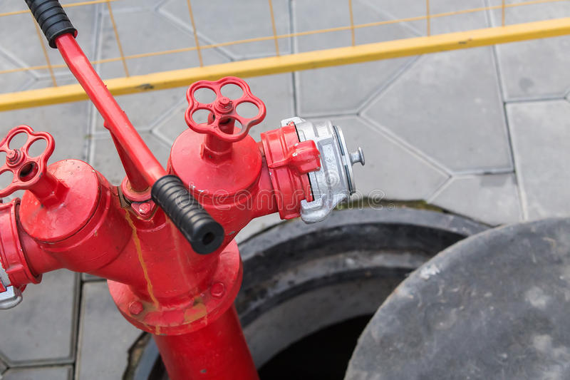 Rode Brandkraan royalty-vrije stock afbeelding