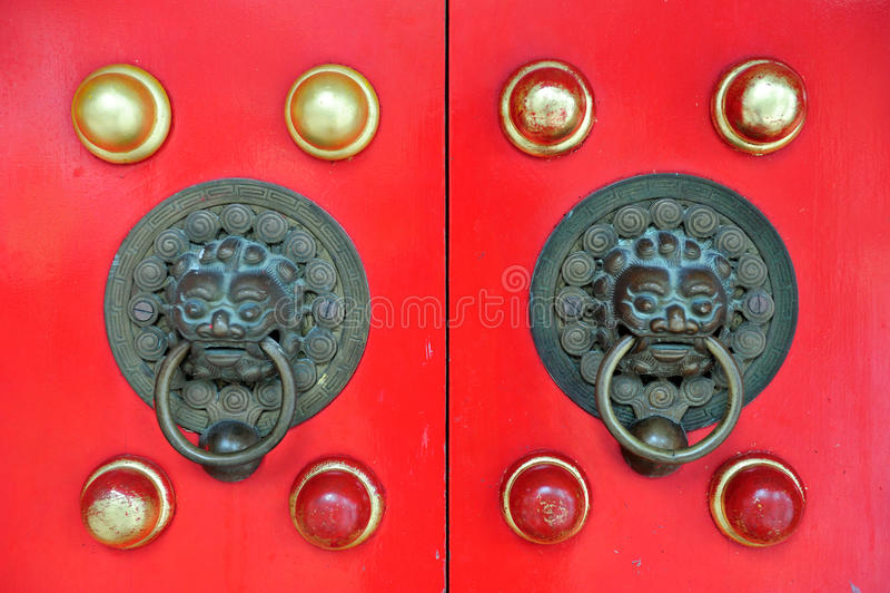 Rode Chinese Deur in Hongkong royalty-vrije stock foto's