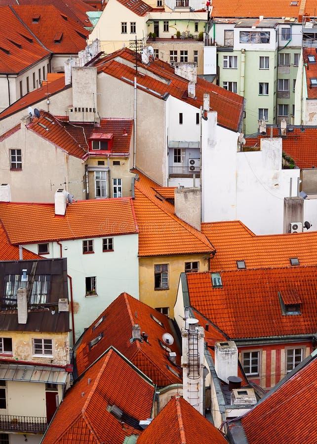 Rode daken, Praag stock afbeelding