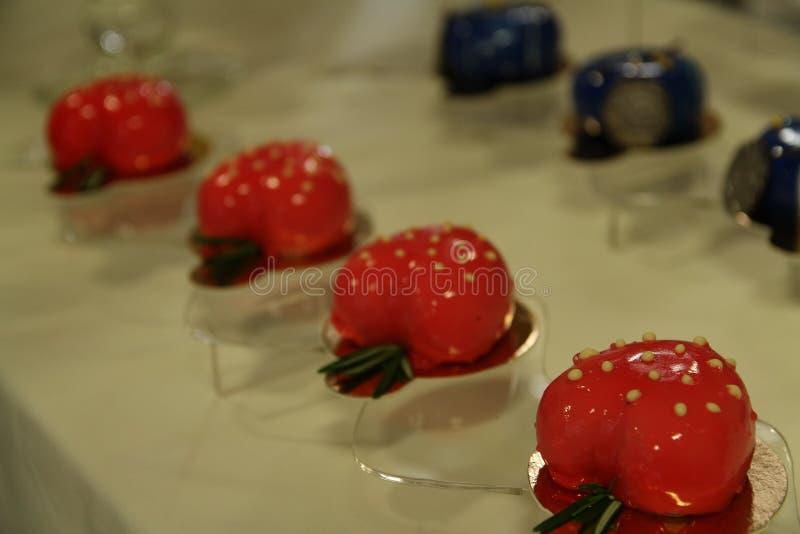 Rode Desserts en cakes royalty-vrije stock afbeeldingen