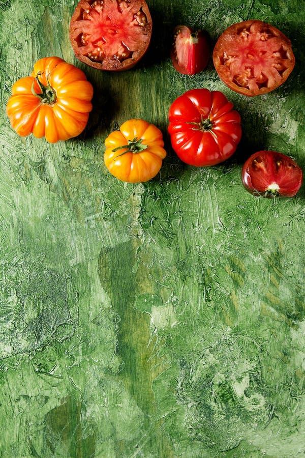 Rode en gele tomaten royalty-vrije stock afbeeldingen