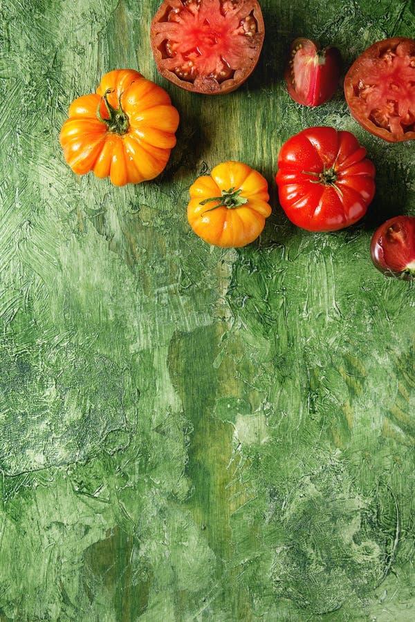 Rode en gele tomaten stock fotografie