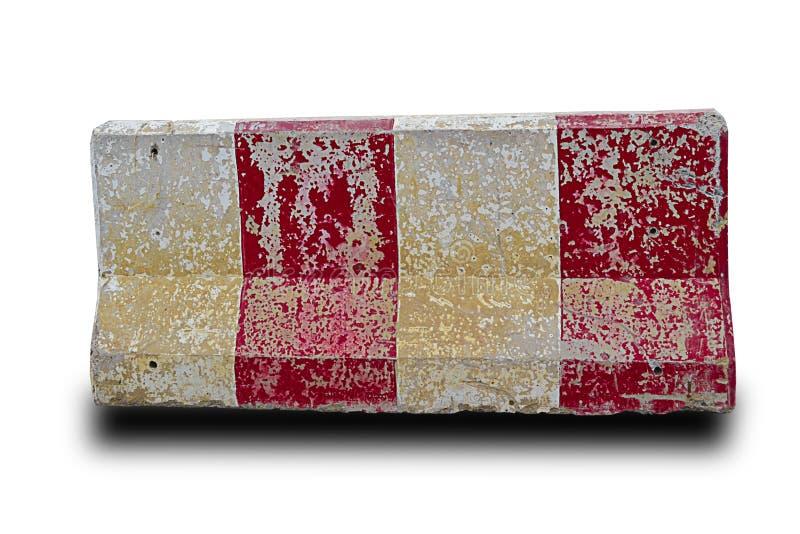 Rode en witte concrete barrières die de Geïsoleerde weg blokkeren, royalty-vrije stock foto's