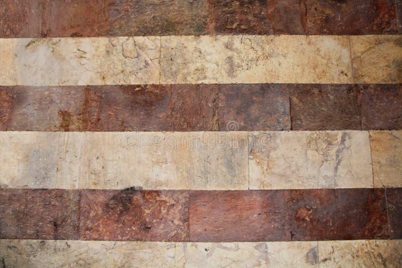 Rode en Witte Gestreepte Marmeren Muurtextuur stock foto