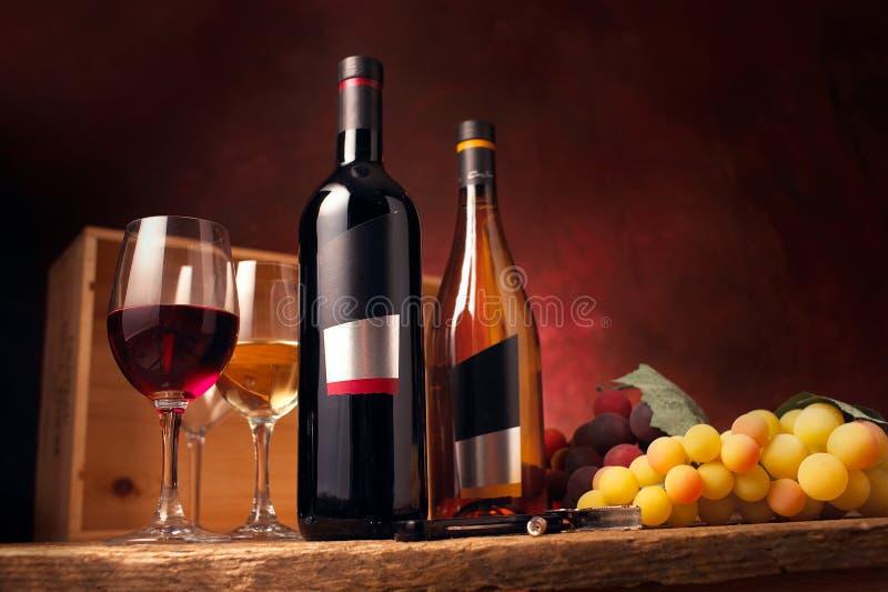 Rode en witte wijn stock foto's