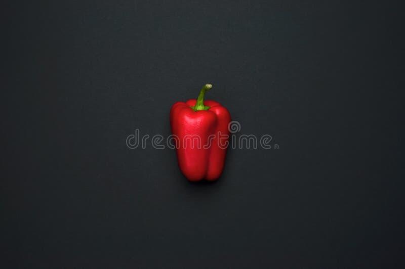 Rode groene paprika, het op dieet zijn, gezond voedselconcept Verse peper, gezondheid Voedsel creatief concept De hoogste menings royalty-vrije stock foto