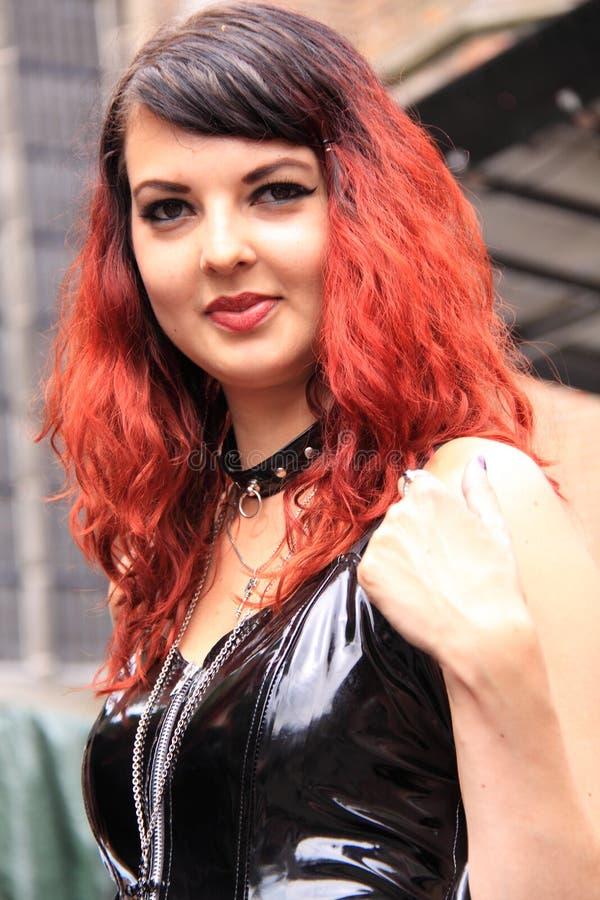 Rode haar van de portret het gotische vrouw stock afbeeldingen