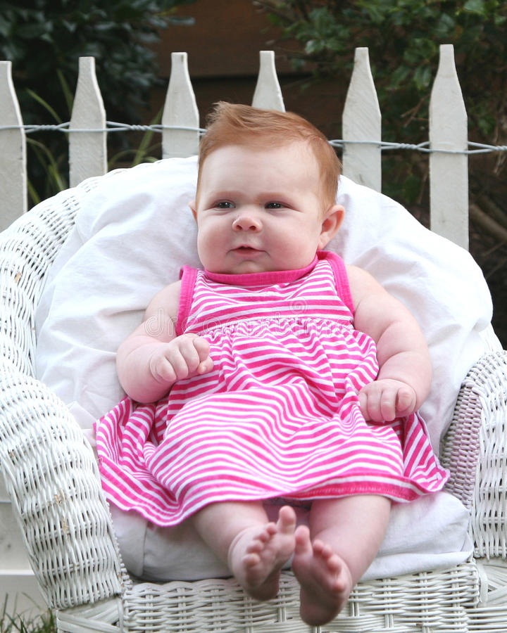 Rode haired 10 week oude baby royalty-vrije stock foto's