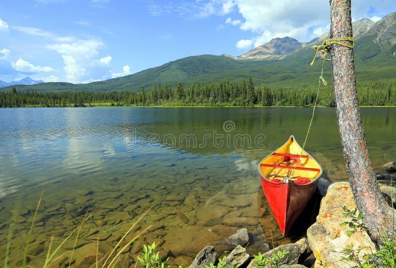Rode kano stock foto