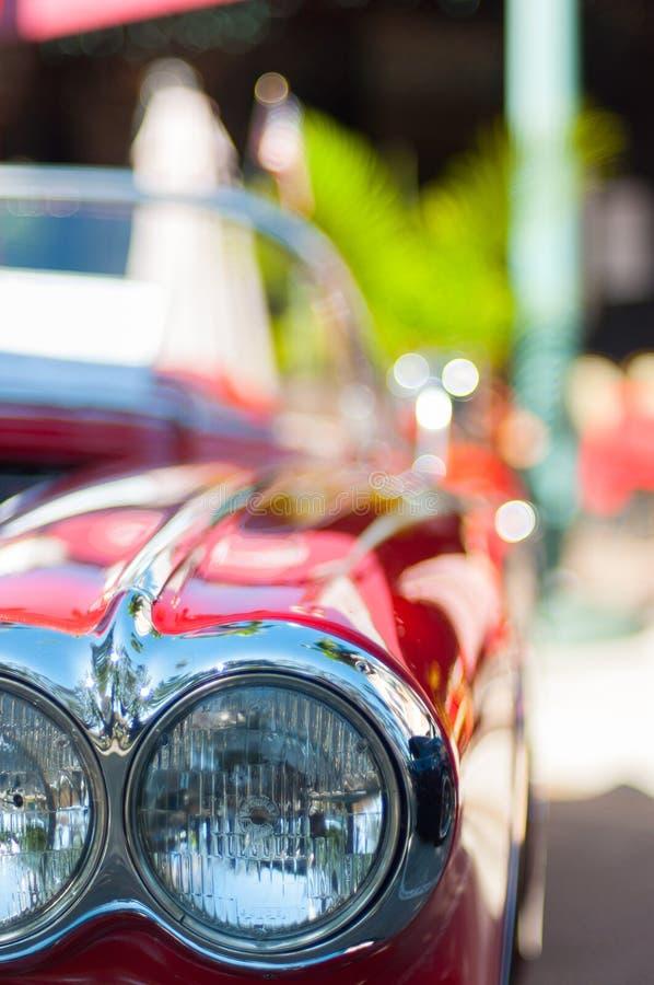Rode Klassieke Auto Dichte omhooggaande mening stock foto