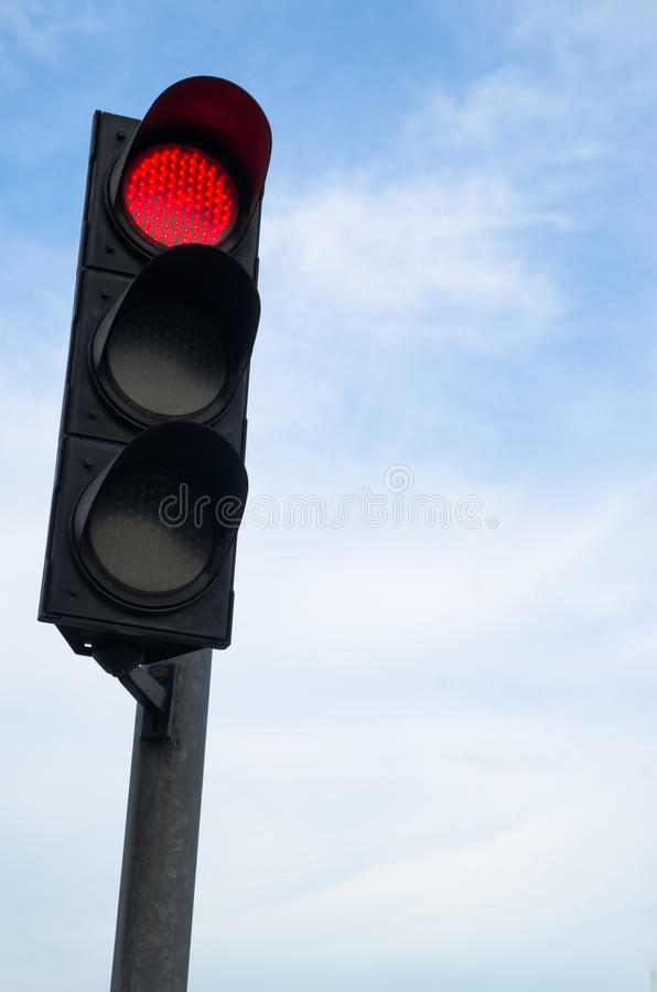 Rode kleur op het verkeerslicht stock foto