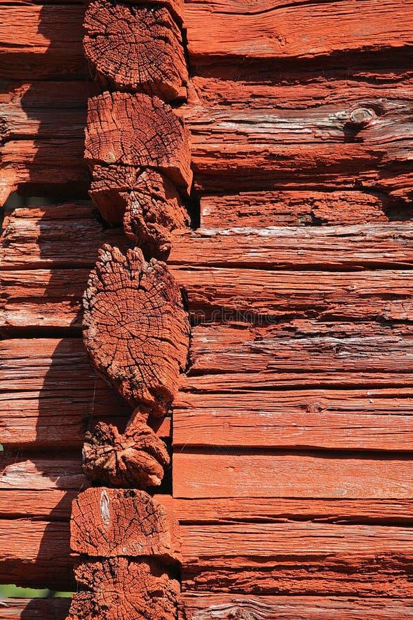 Rode logboekmuur royalty-vrije stock foto