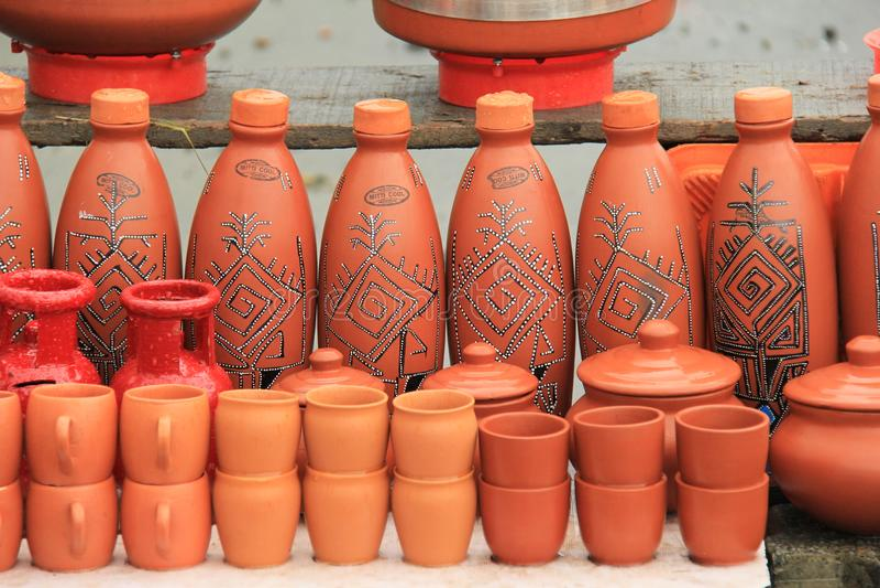 Rode modder Indische aarden potten royalty-vrije stock fotografie