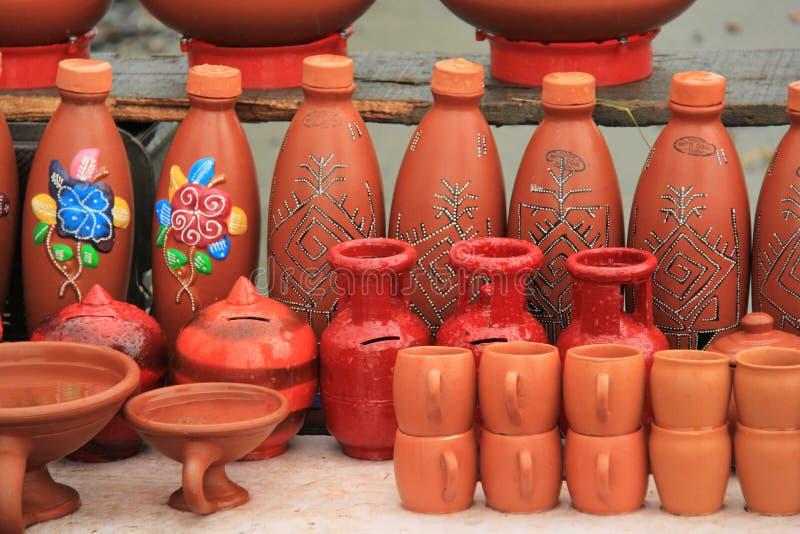 Rode modder Indische aarden potten royalty-vrije stock afbeeldingen