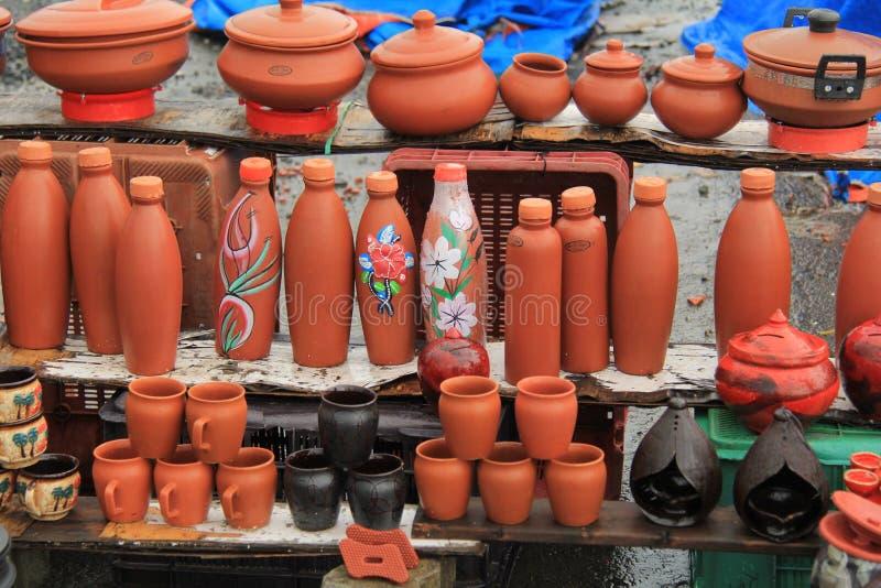 Rode modder Indische aarden potten royalty-vrije stock afbeelding