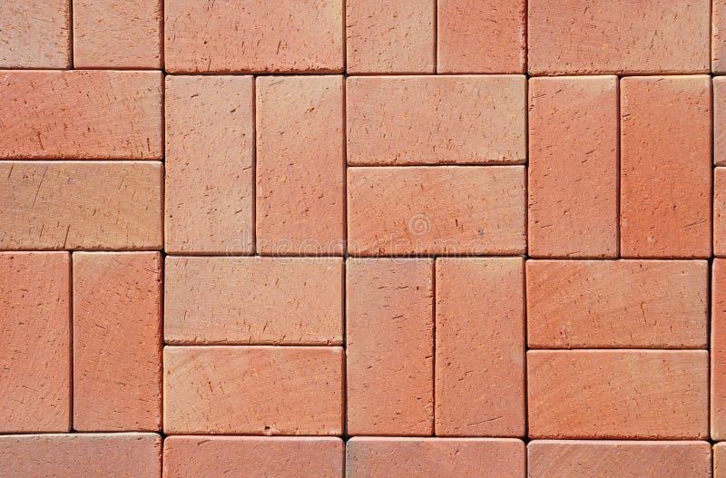 Rode Moderne Ceramische Clinker Betonmolens stock foto's