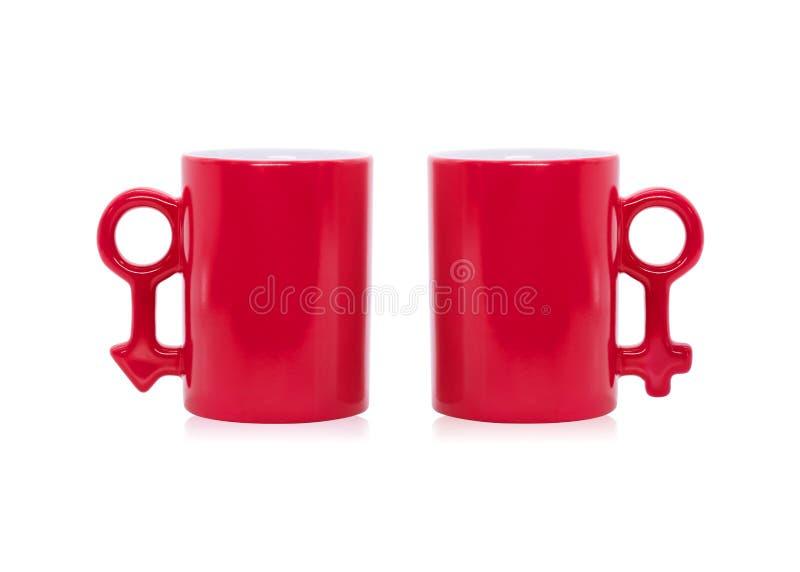 Rode mok op geïsoleerde achtergrond De kleurrijke kop van de handvatkoffie in mannelijk tekenconcept Knippend weg of knipselvoorw royalty-vrije stock afbeeldingen