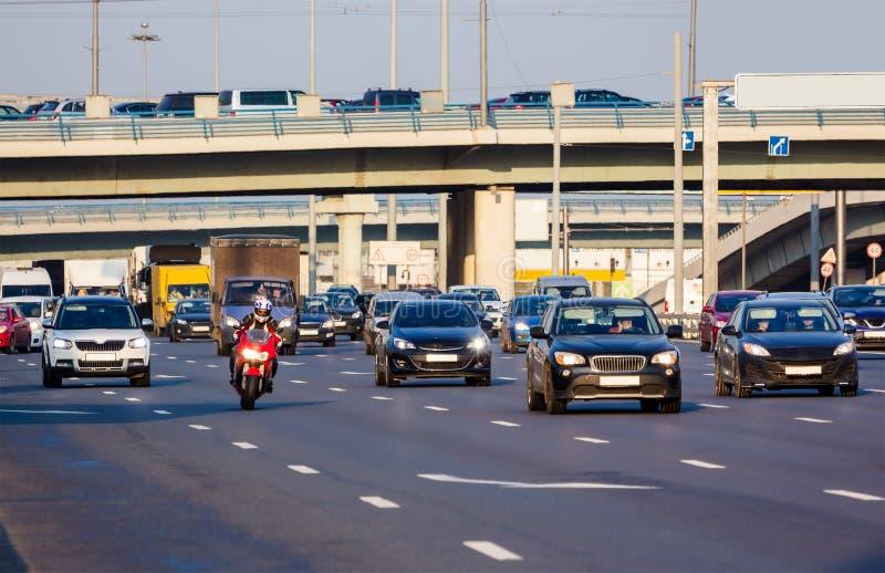 Rode motor op het wegverkeer royalty-vrije stock foto