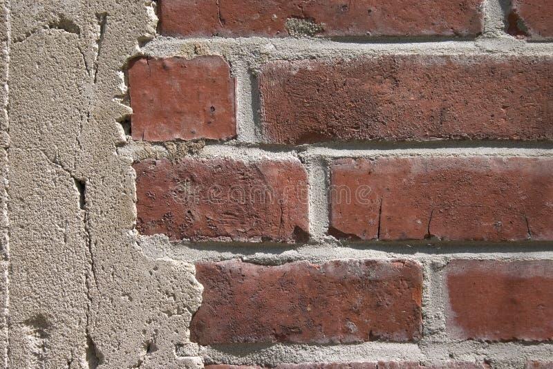 Rode oude bakstenen muur stock afbeeldingen