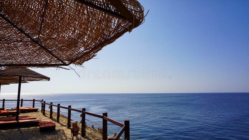 Rode Overzeese kustlijn in Sharm el Sheikh, Egypte stock foto's