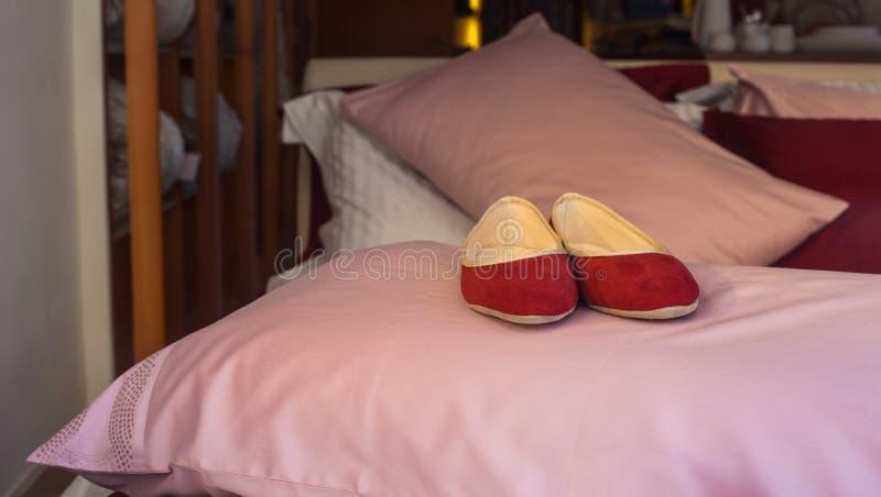 Rode pantoffels royalty-vrije stock fotografie