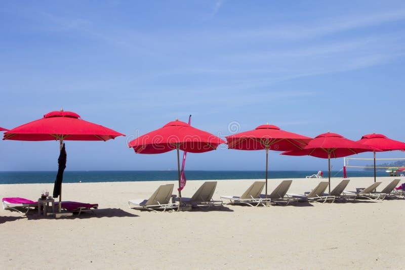 Rode parasols royalty-vrije stock afbeelding
