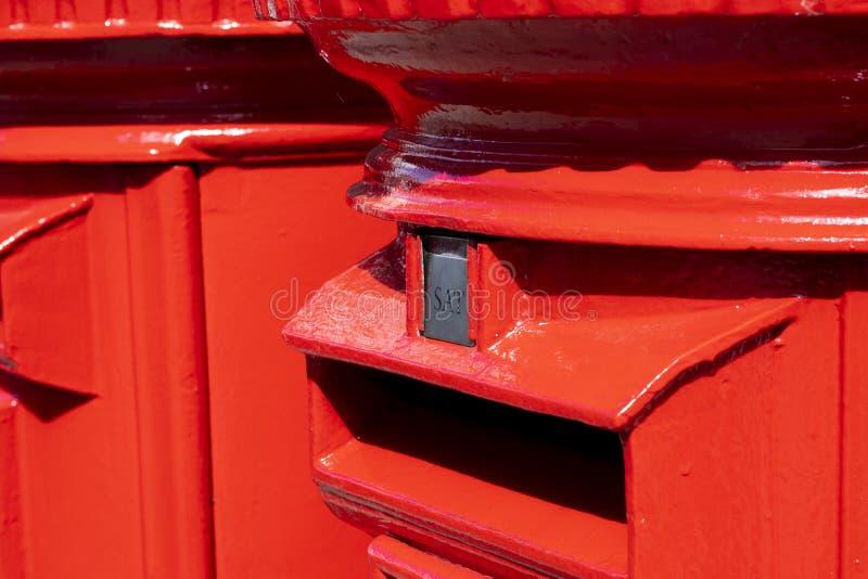 Rode pijlerdozen royalty-vrije stock afbeelding