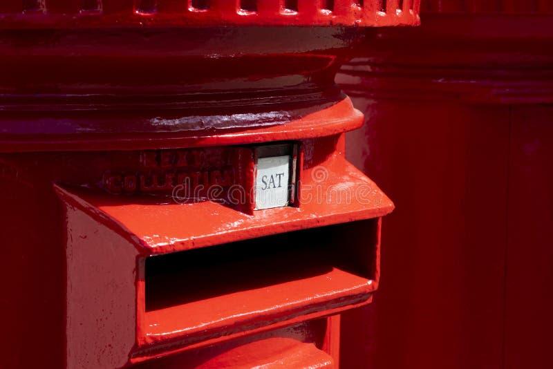 Rode pijlerdozen stock afbeelding