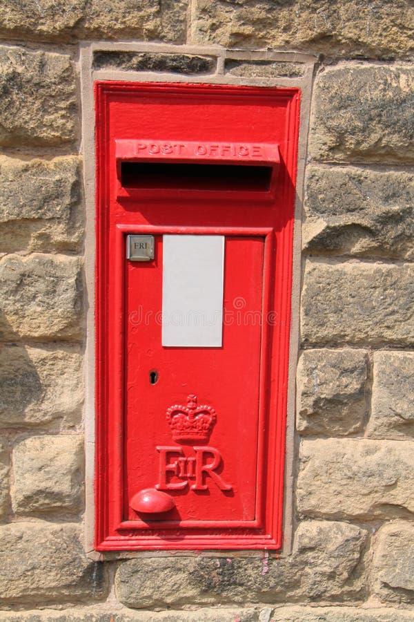 Rode Postbrievenbus royalty-vrije stock foto's