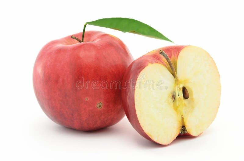 Rode, rijpe die appelen Jonagold op witte achtergrond wordt geïsoleerd royalty-vrije stock afbeeldingen