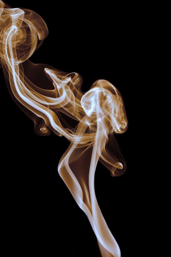 Rode rook op zwarte achtergrond royalty-vrije stock foto