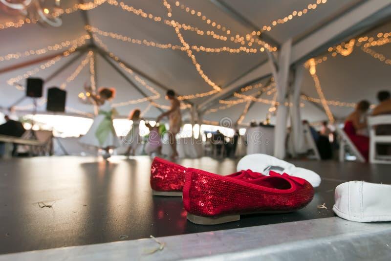 Rode Schoenen op Dance Floor stock foto