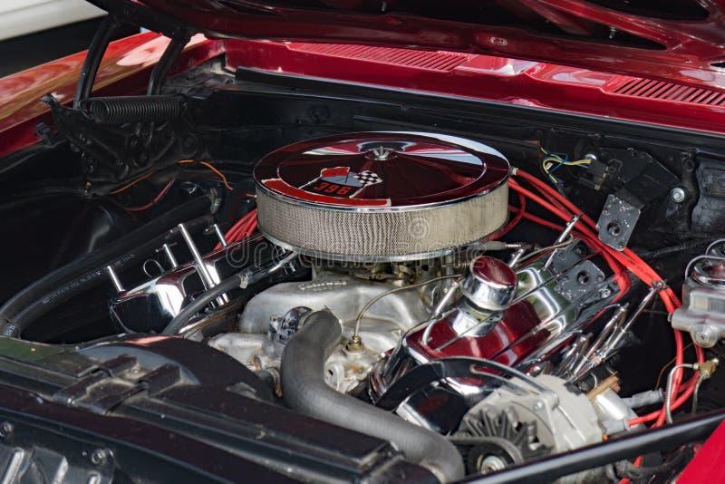 1965 Rode SS Camaro Convertibele Motor stock afbeeldingen