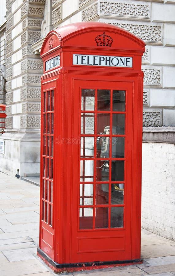 Rode telefooncel in Londen royalty-vrije stock afbeelding
