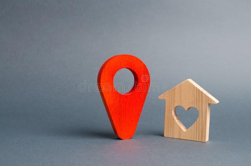 Rode tellersplaats en een huis van minnaars Stil en comfortabel, Kiezend een vakantiebestemming Romantische reis Huur een plattel stock foto