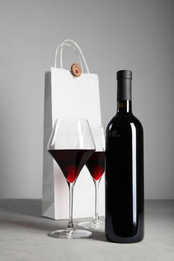 Rode wijn om Kerstmis te vieren Alcoholische drank royalty-vrije stock fotografie
