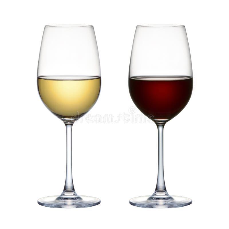 Rode wijnglas en wit die wijnglas op een witte achtergrond wordt geïsoleerd stock foto's