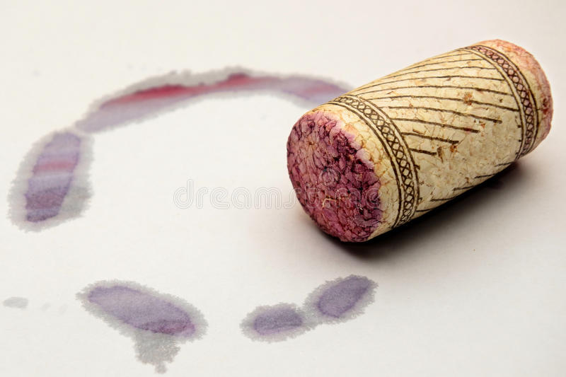 Rode wijnvlek en cork royalty-vrije stock foto's